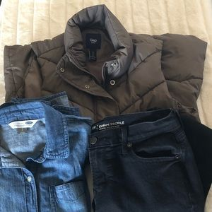 Gap Puffer Vest Size Small